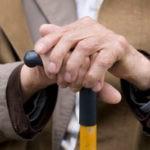 Гости связали и ограбили пенсионера после совместного чаепития