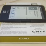 ONYX BOOX Caesar – доступный ридер с подсветкой экрана