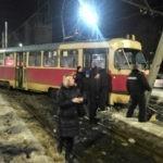 В Харькове трамвай завалил столб
