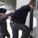 Мужчина взял в банке талончик ради попытки ограбления под угрозой взрыва
