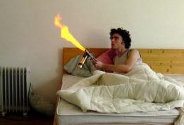 Карманный огнемёт из дезодоранта