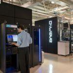 Компания D-Wave начала выпуск компьютеров 2000Q, процессор которых содержит 2 тысячи квантовых битов