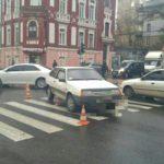 В Харькове ВАЗ сбил пешехода: есть пострадавший