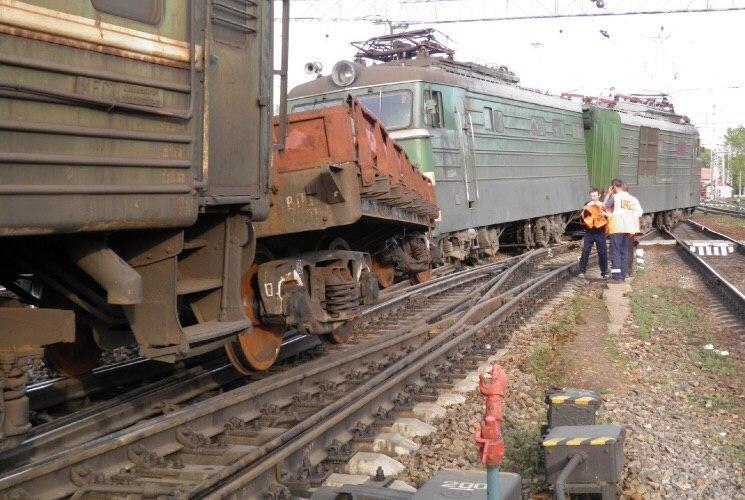 ЧП в Харькове: мужчину придавило шлюзом