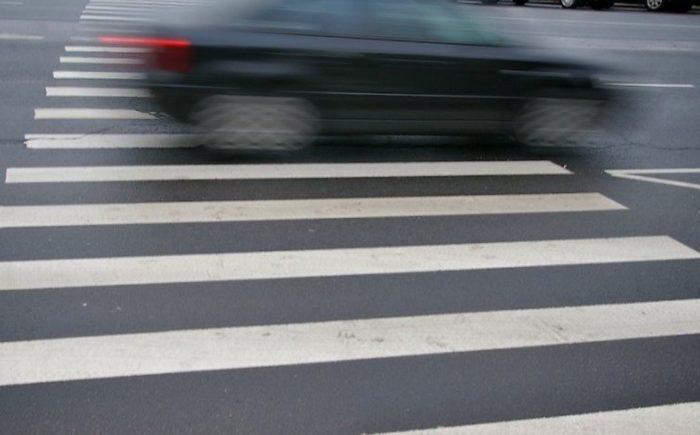 на пешеходном переходе сбил двоих детей