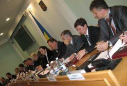 министр юстиции стал депутатом Рады